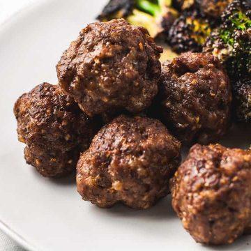 meatballs and broccoli
